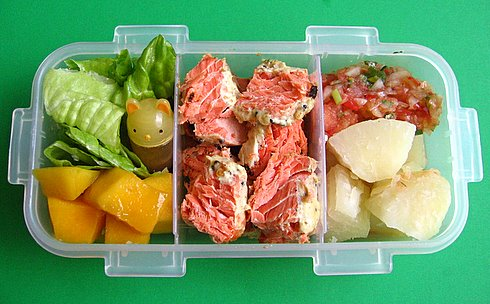 Cassava & wild salmon box lunches