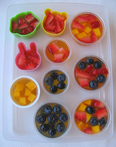 Fruit cup jello jigglers in everyday containers