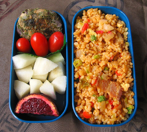 Speed Bentos: Kimchi fried rice leftovers