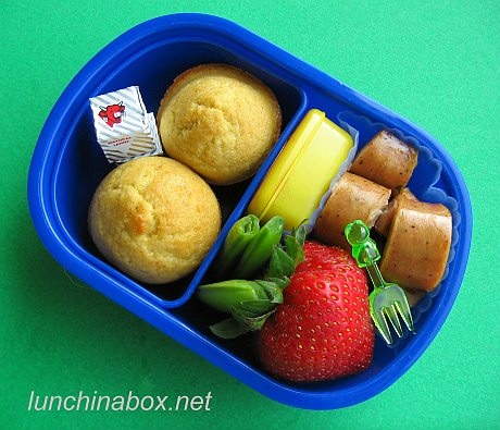 Sausage bento lunches: East vs. West